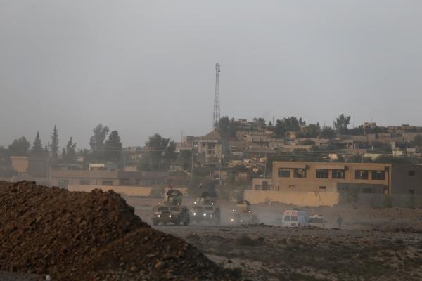 قوات عراقية تتمركز في جنوب الموصل بعد تحريرها من تنظيم داعش. رويترز