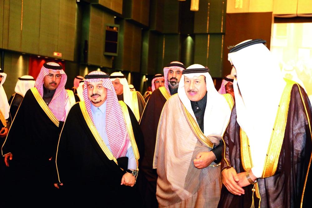 أمير الرياض لدى وصوله مقر الحفلة.