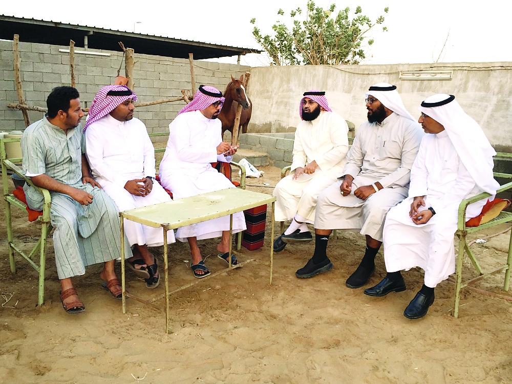ملاَّك اسطبلات يطالبون في حديثهم لـ «عكاظ» بتعويض مالي ومقر بديل لفروسية مكة.