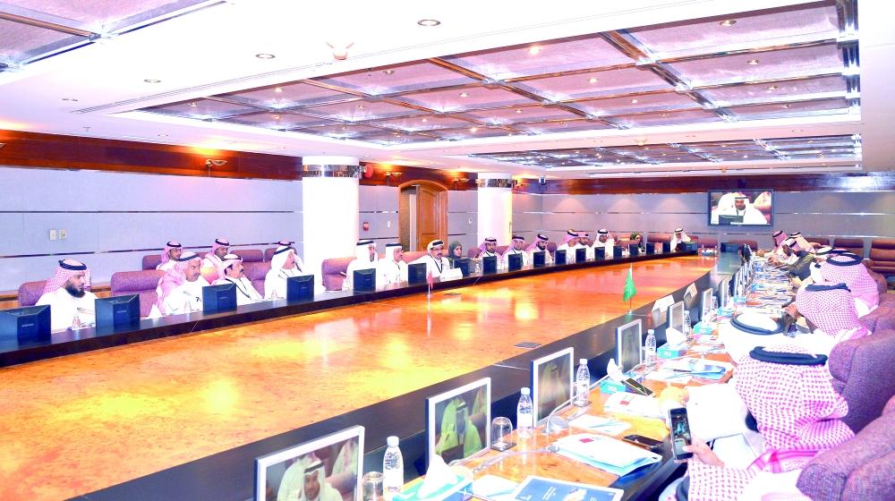 الوفدان السعودي والبحريني خلال تفاوضهما على تشكيل المحفظة العقارية في