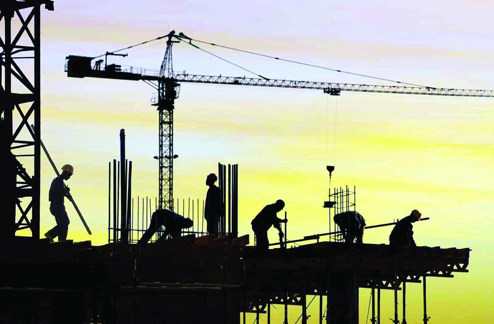 منشآت التشييد والبناء ستحصل على النطاق الأخضر المرتفع بتوطينها 15% من العاملين.