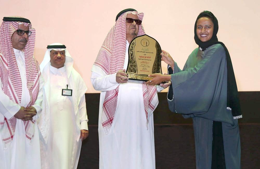 شنان وابن سعيد والأحسائي وسلامة يسطعون في ليالي الفلكلور أخبار السعودية صحيفة عكاظ