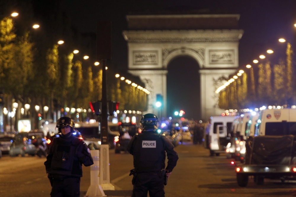 المملكة تتضامن مع فرنسا وتدين هجوم الشانزليزيه