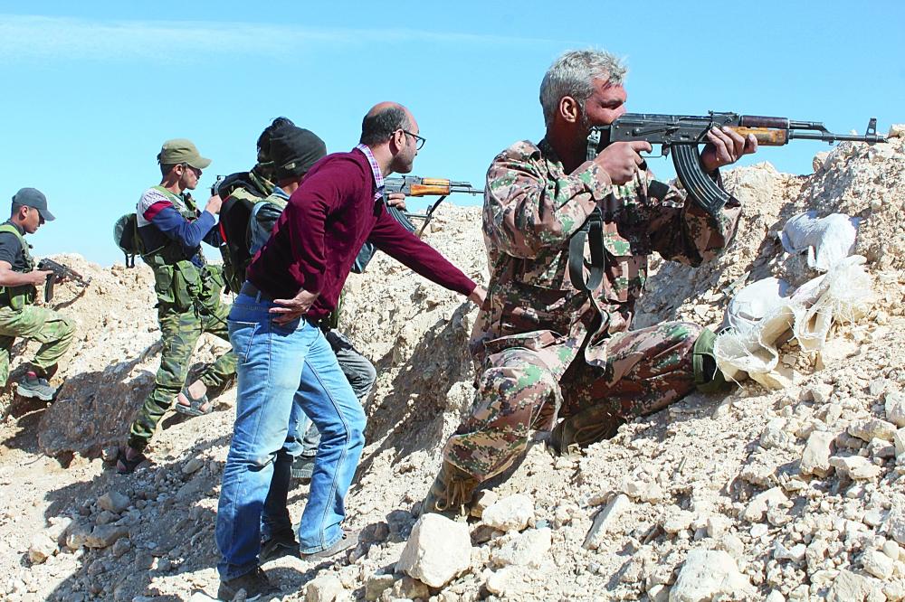 «عكاظ» على خطوط التماس بين درع الفرات وقوات سورية الديموقراطية قرب منبج. (خاص)