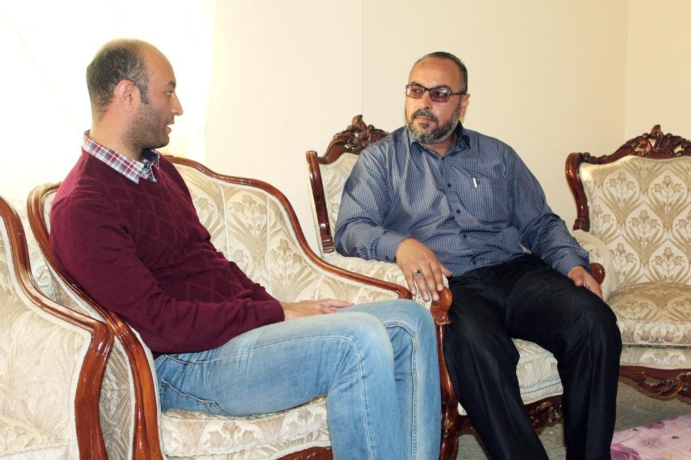 الزميل عبدالله الغضوي في حوار مع قائد الفرقة الشمالية.