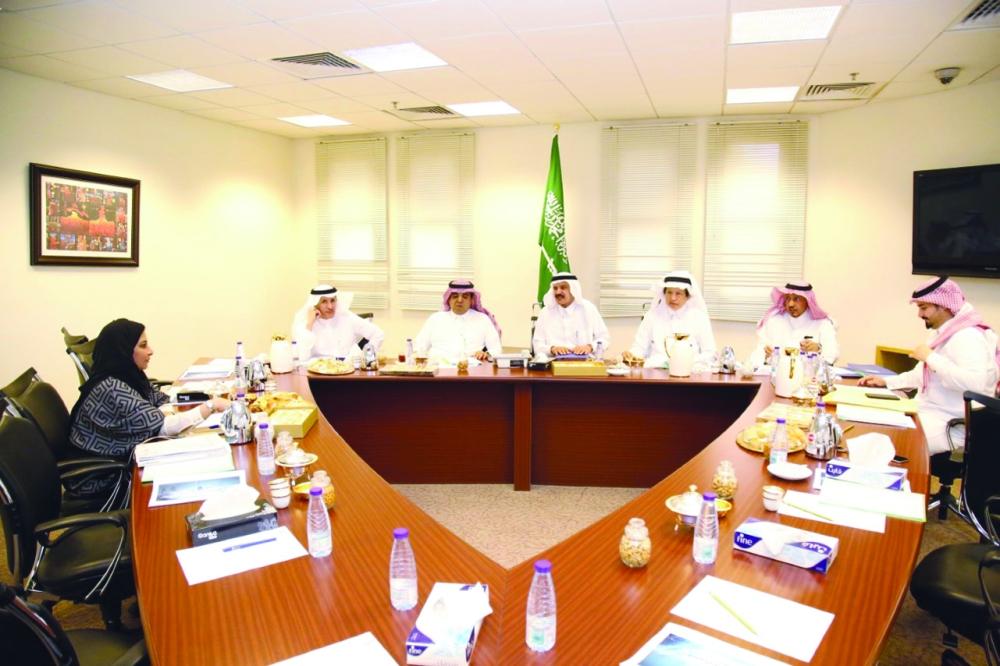 هيئة الصحفيين السعوديين في اجتماعها السادس برئاسة خالد المالك.