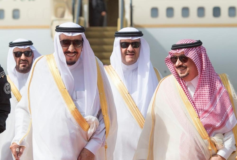 خادم الحرمين يصل الرياض قادما من جدة