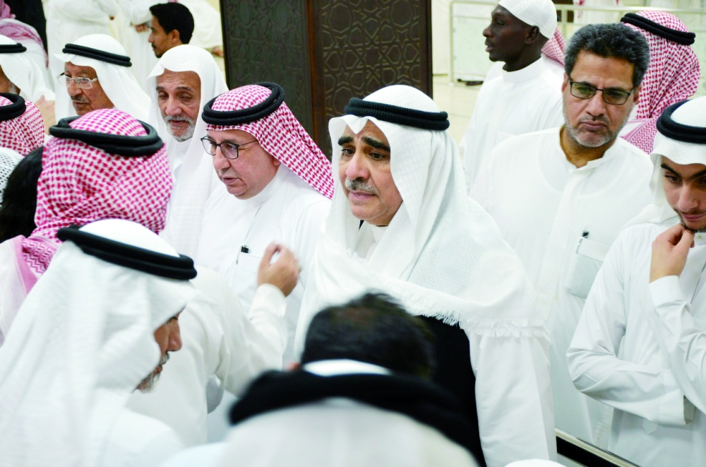 جموع غفيرة تشيع زوجة عبدالرحمن فقيه أخبار السعودية صحيقة عكاظ