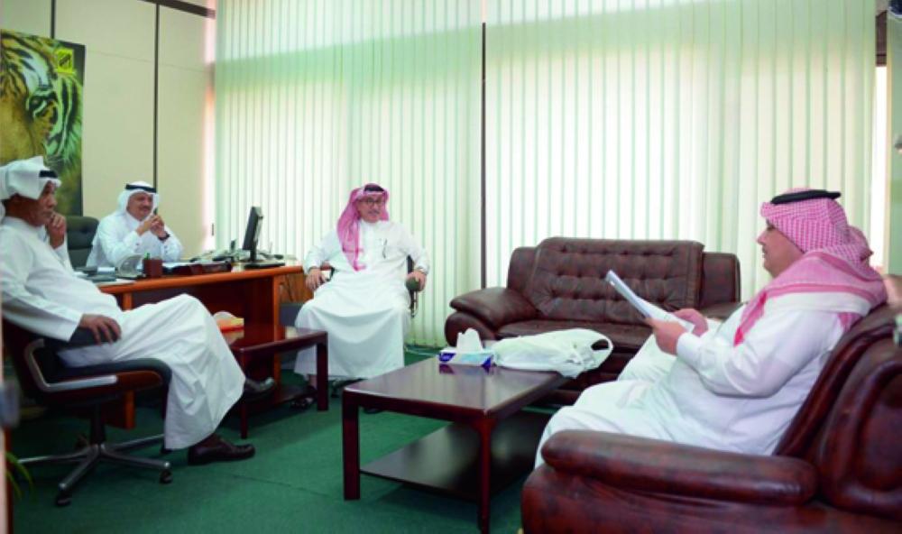 روزي خلال عملية الجرد بحضور أعضاء إدارة الاتحاد.