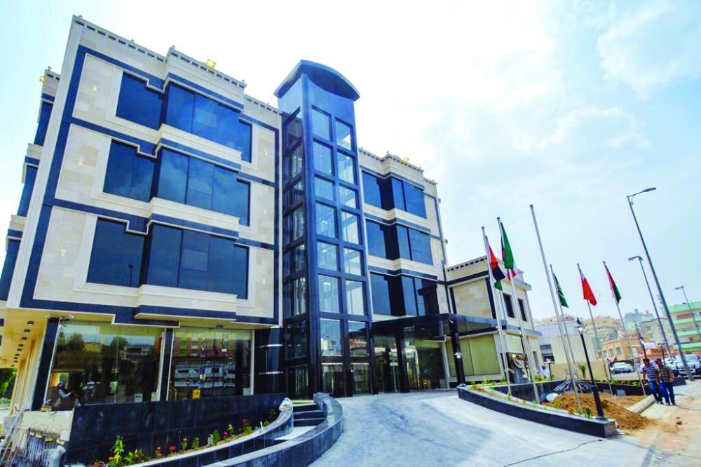 «السياحة» تفتتح فندق 4 نجوم على وادي أبها
