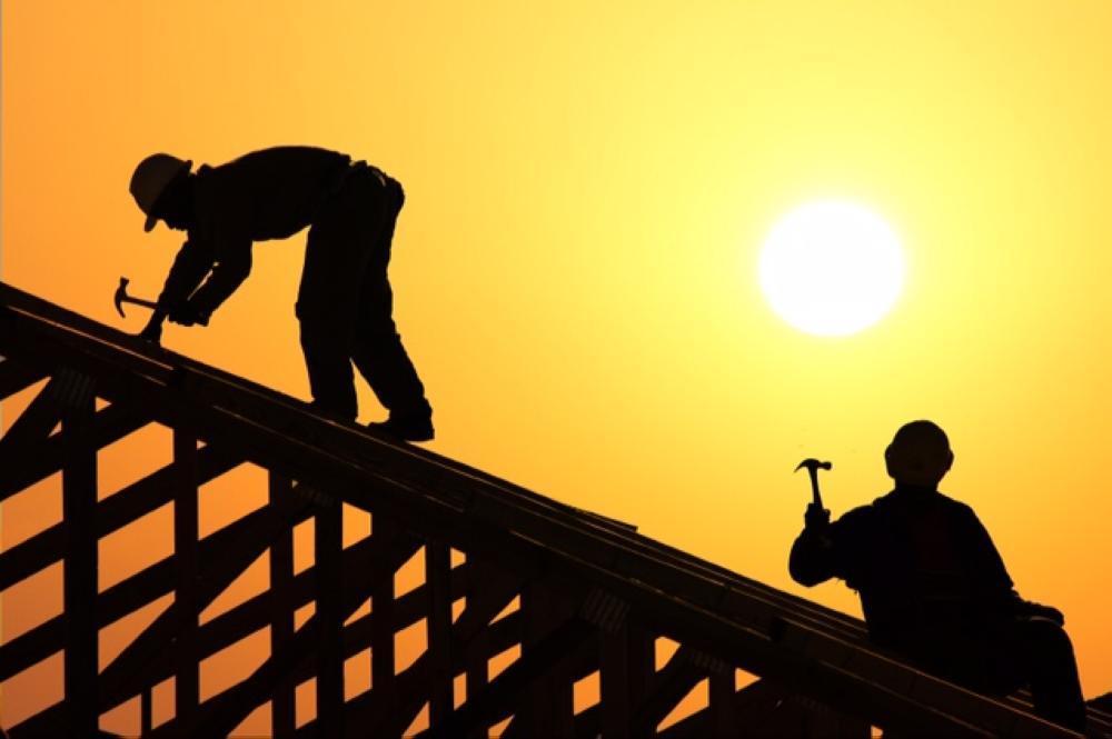 ضبط 15 مخالفة عمل تحت أشعة الشمس في المجمعة