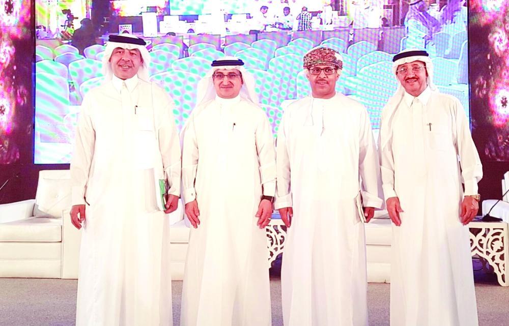 علي الدميني وحسن مطروشي وأحمد قران وأحمد الهلالي في سوق عكاظ أخيرا. (موقع التواصل)