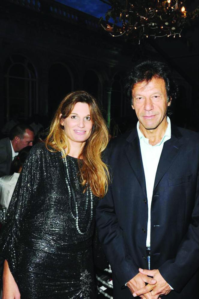 خان مع زوجته اليهودية السابقة جمايما جولد سميث. (متداولة)