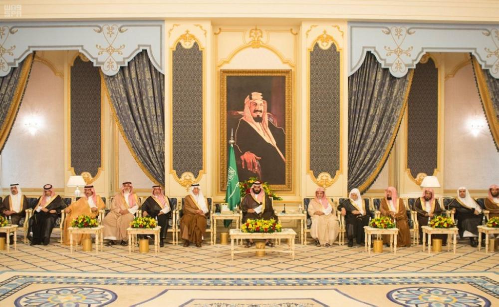 نائب خادم الحرمين يستقبل أصحاب السمو والفضيلة والمعالي وجموعاً من المواطنين
