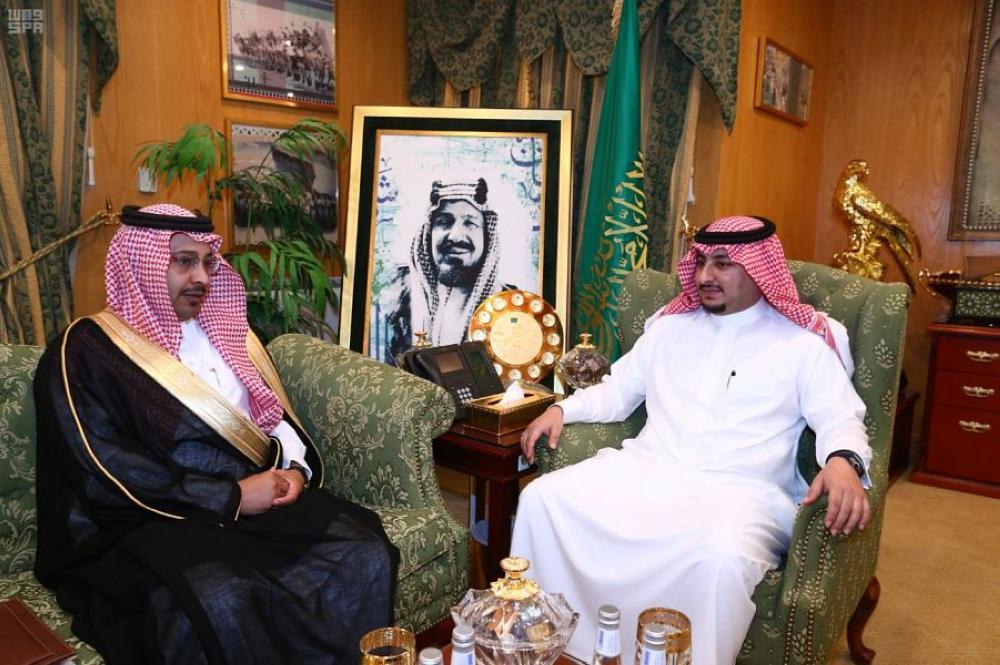 نائب أمير الجوف يلتقي رئيس وأعضاء المجلس البلدي بالقريات