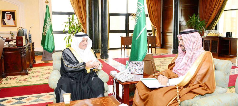 الأمير فهد بن سلطان خلال استقبال الدكتور الغامدي.