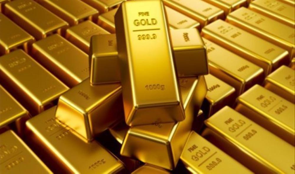 الذهب يرتفع بفعل هبوط الدولار والبلاديوم عند ذروته في 16 عاما