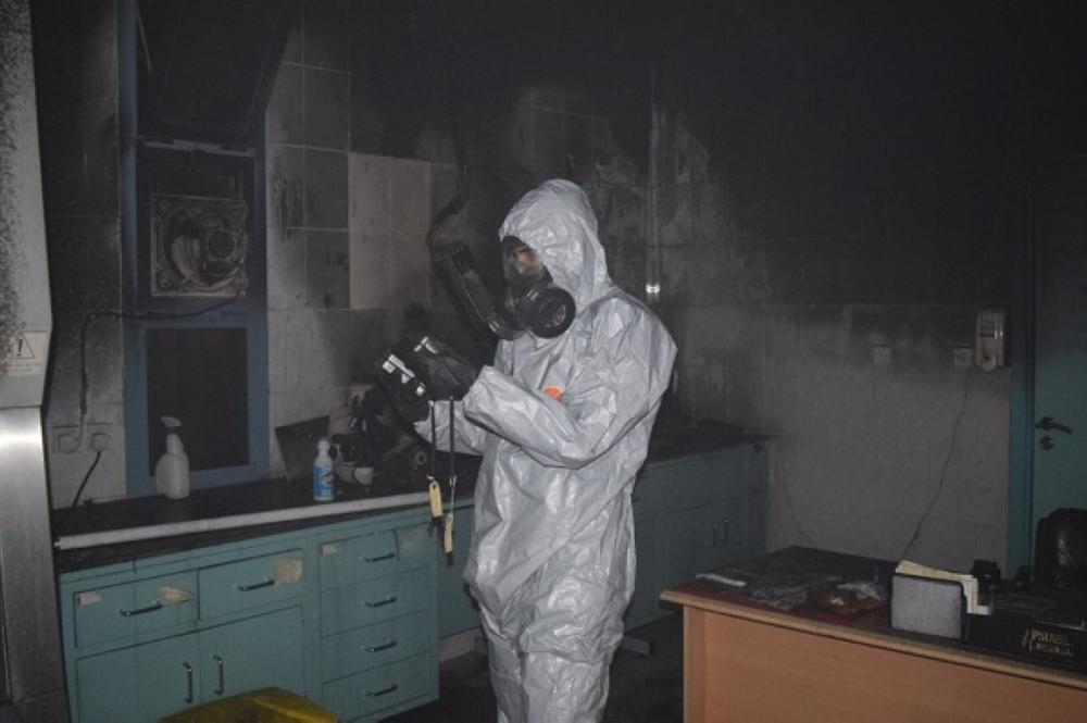 إخماد حريق بمختبر في مستشفى الملك سعود