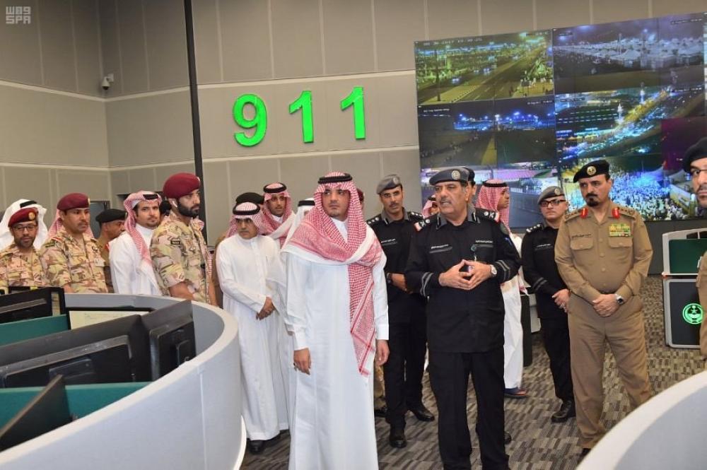 وزير الداخلية يتفقد مركز العمليات الأمنية الموحد بمنطقة مكة المكرمة