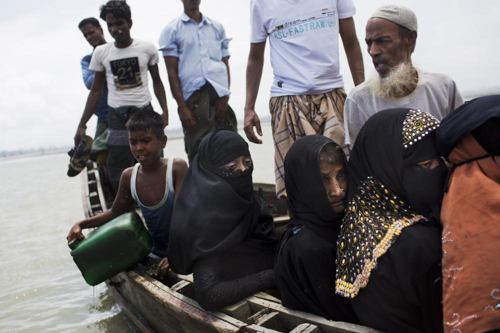 More Rohingya Pour into Bangladesh; Camps at Full Capacity