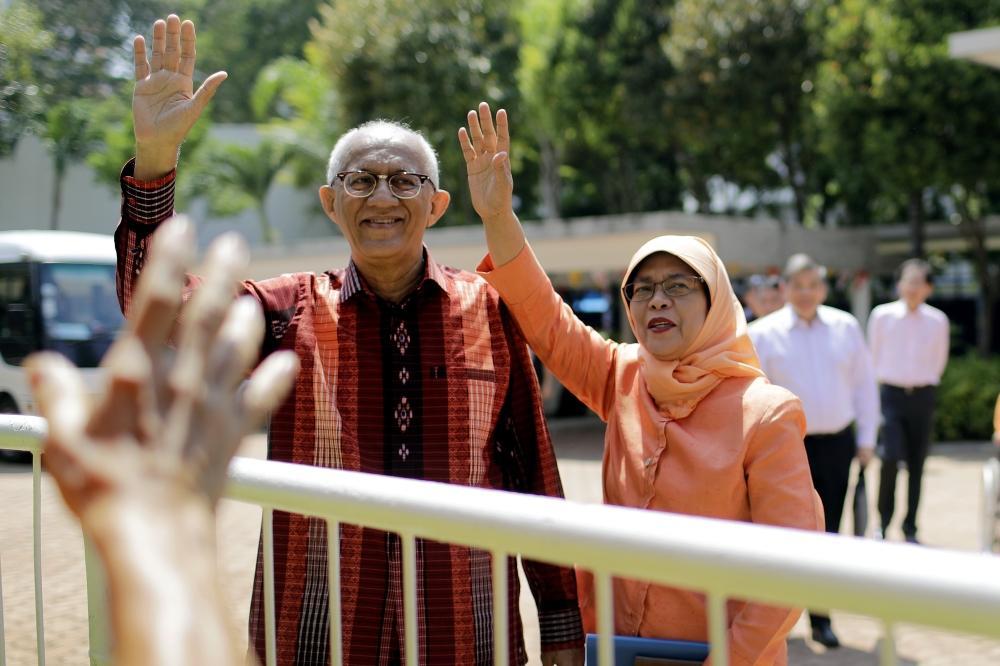 حليمة يعقوب أول امرأة من الأقلية المسلمة رئيسة لسنغافورة