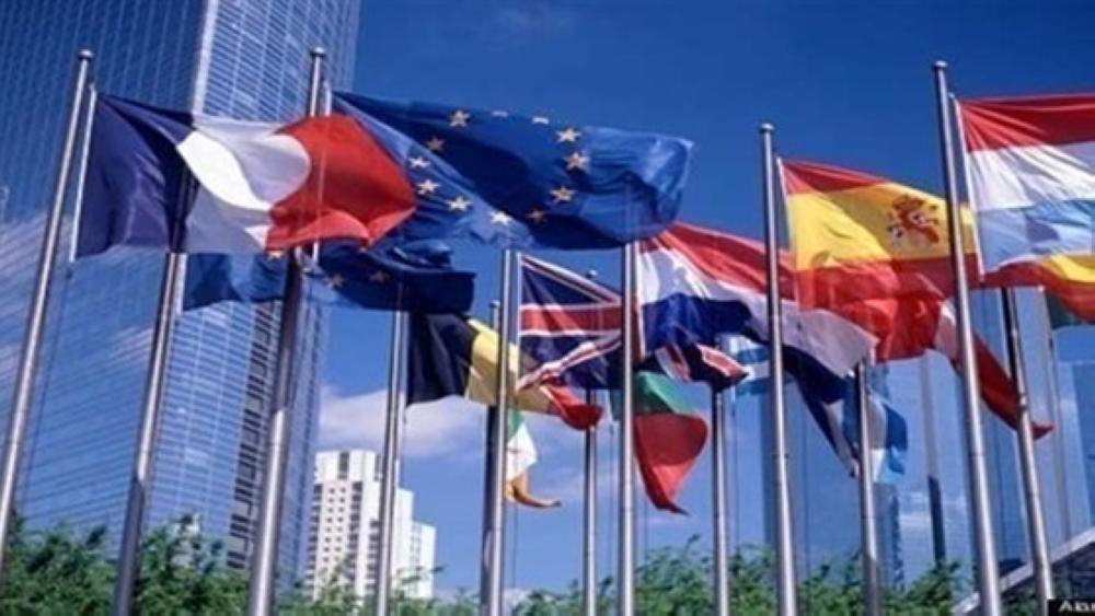 الاتحاد الأوروبي يمدد عقوباته على نحو 150 مسؤولا روسيا وأوكرانيا