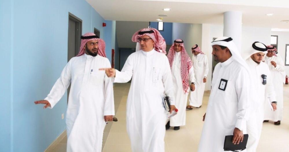 مدير «تعليم مكة» يقف على استعدادات أولى مدارس تطوير