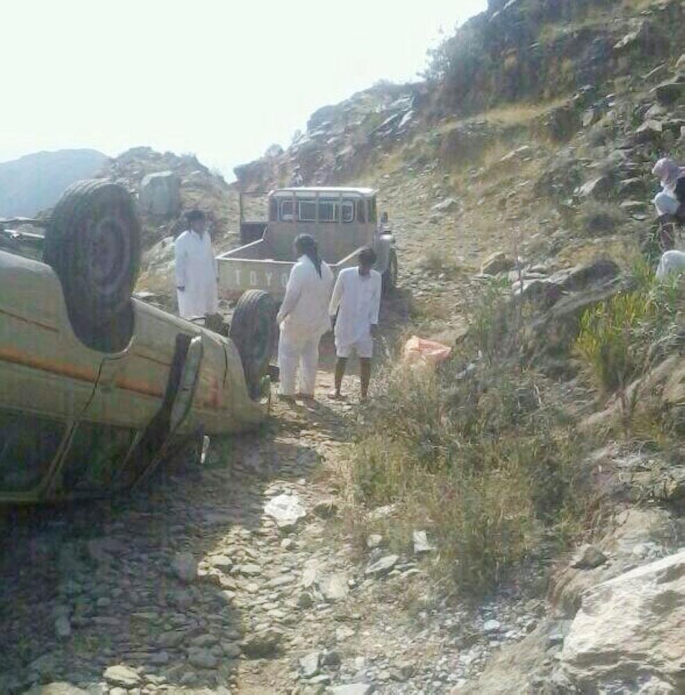 وعورة الطريق تسببت في كثير من الحوادث. (عكاظ)