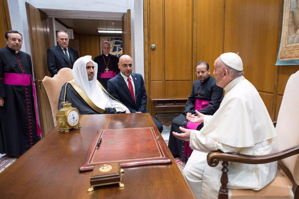 Pope receives Secretary General of Muslim World League
