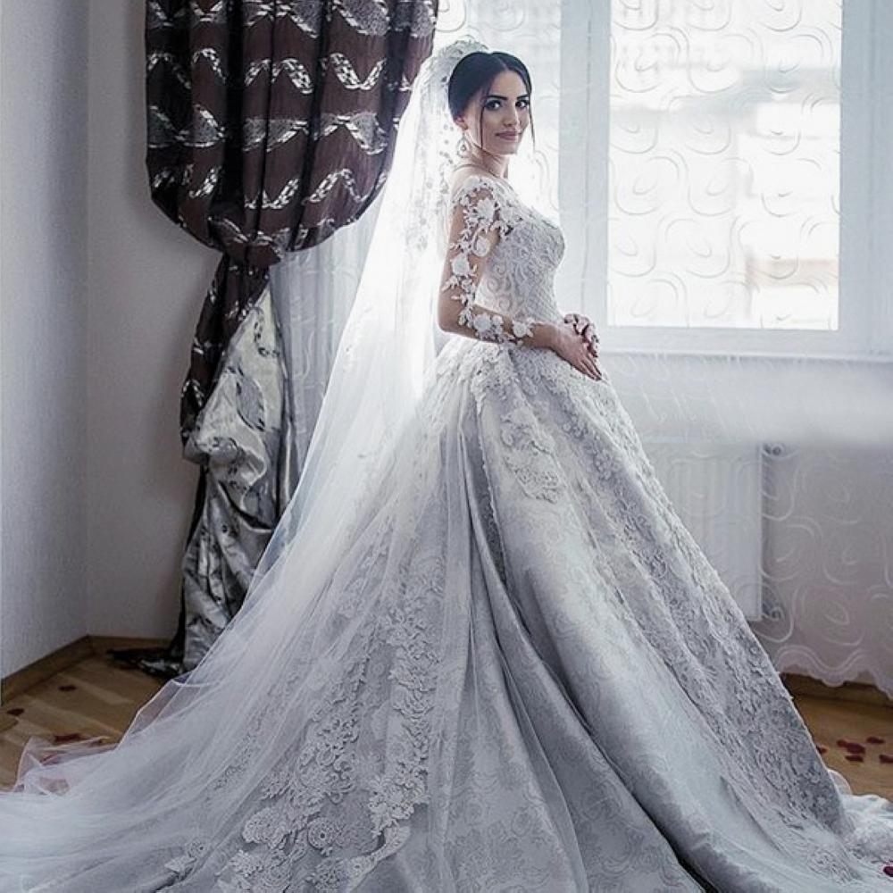 المصممة نهى المطيري: الألوان الترابية تميز عروس 2017