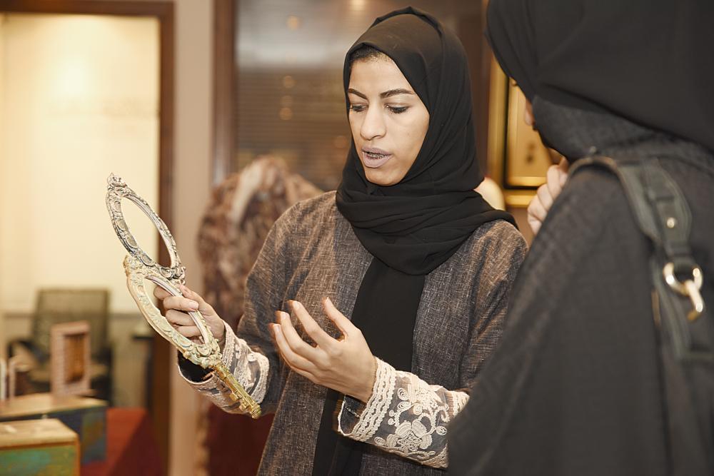 حرفيات سعوديات من جمعية الأيادي الحرفية. (تصوير: أمل السريحي)