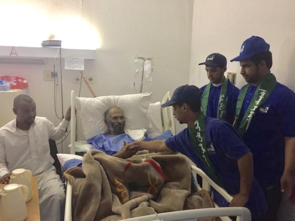 زيارة المرضى والتبرع بالدم في احتفالات صناعي تثليث باليوم الوطني