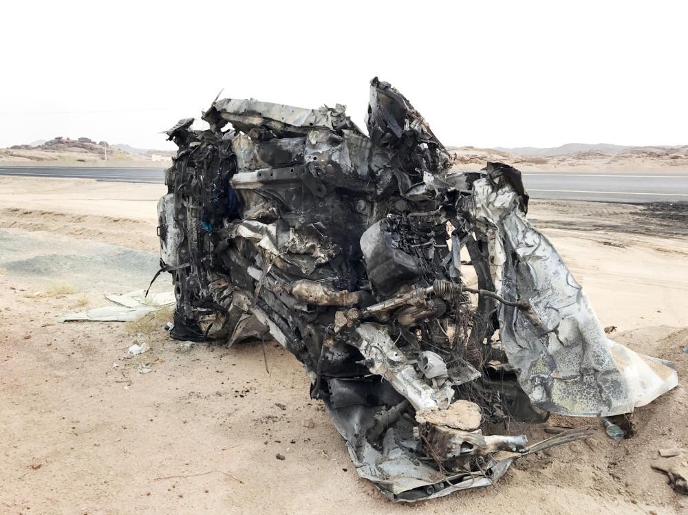 وفاة 8 وإصابة 3 في تصادم ثلاثي على الطريق أخيرا.