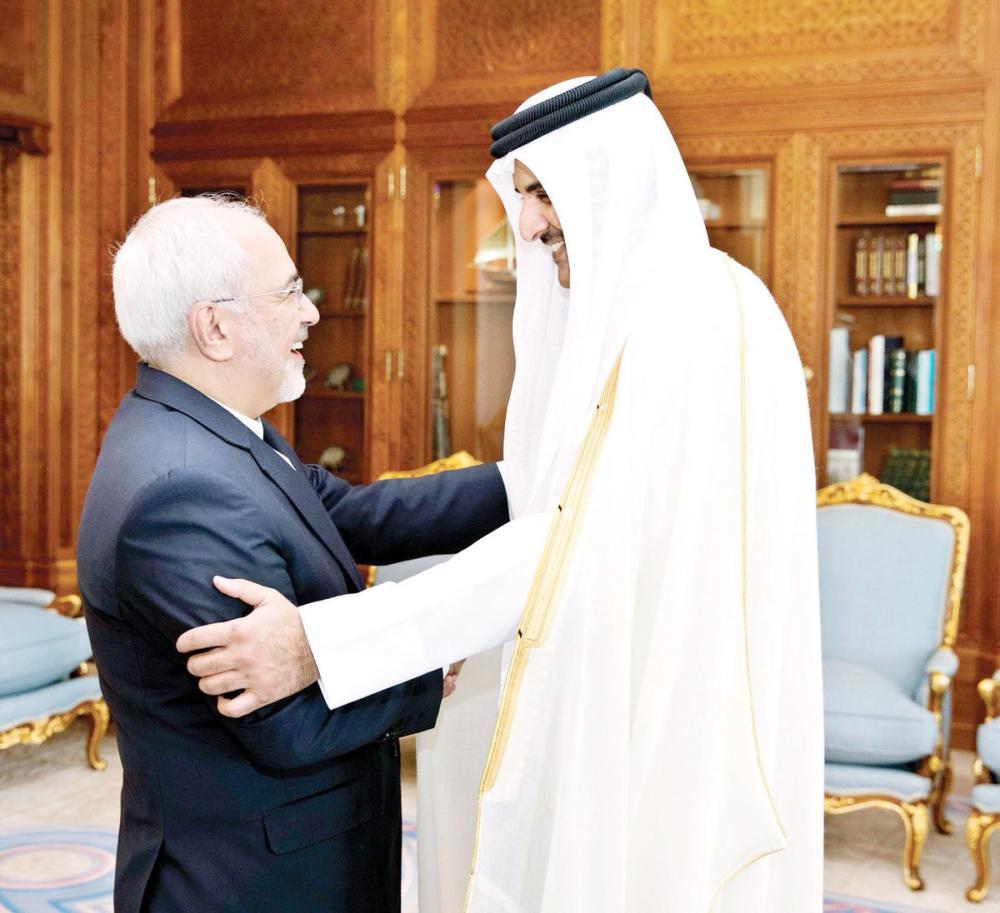 يتطلع ظريف لتطوير العلاقات بين طهران والدوحة في جميع المجالات «أكثر من أي وقت سابق». (وكالات)
