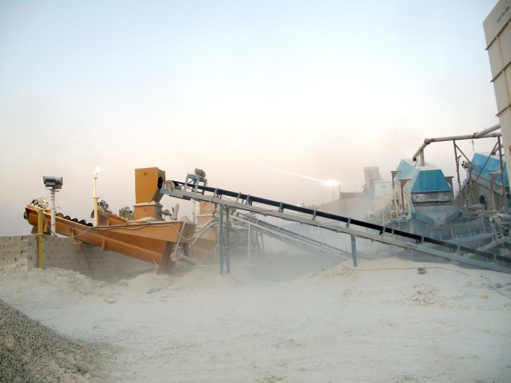 الكسارات تصدر الغبار لسكان البويطن منذ أربعة عقود.