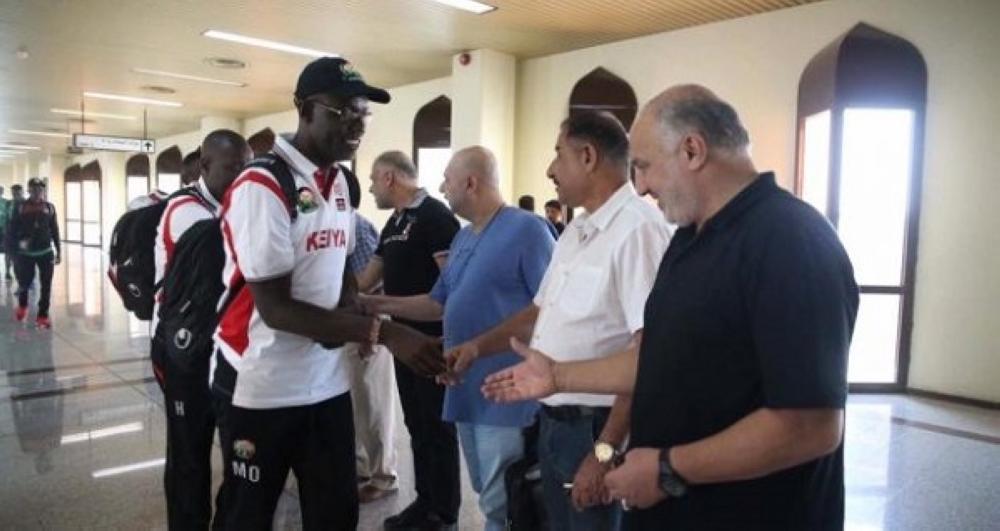 جانب من وصول لاعبي المنتخب الكيني إلى العراق اليوم