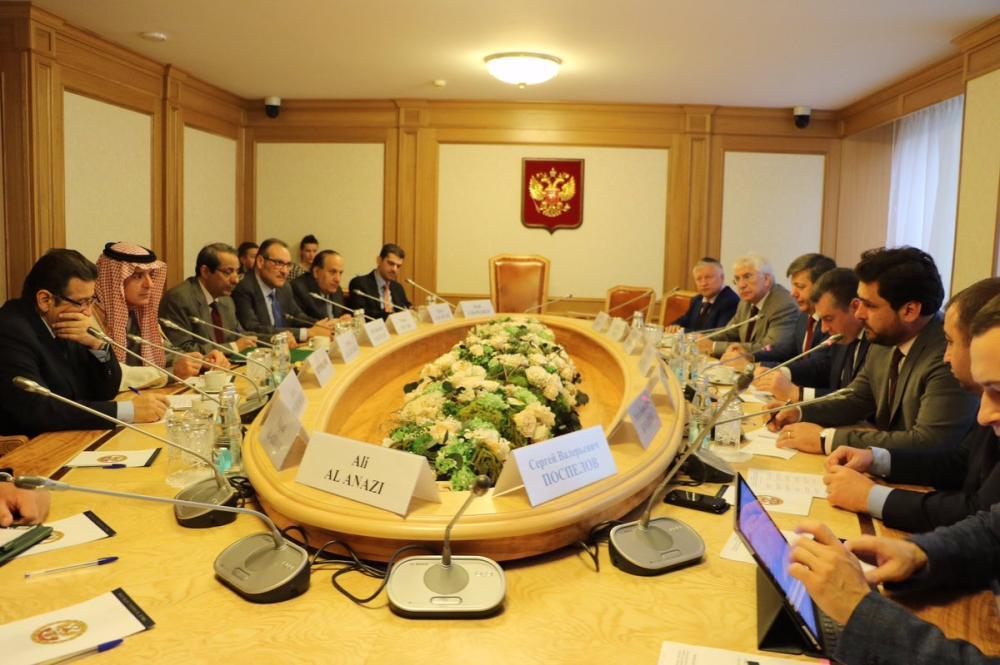 الجبير يبحث مع سلوتسكي تعزيز التعاون والموضوعات المشتركة
