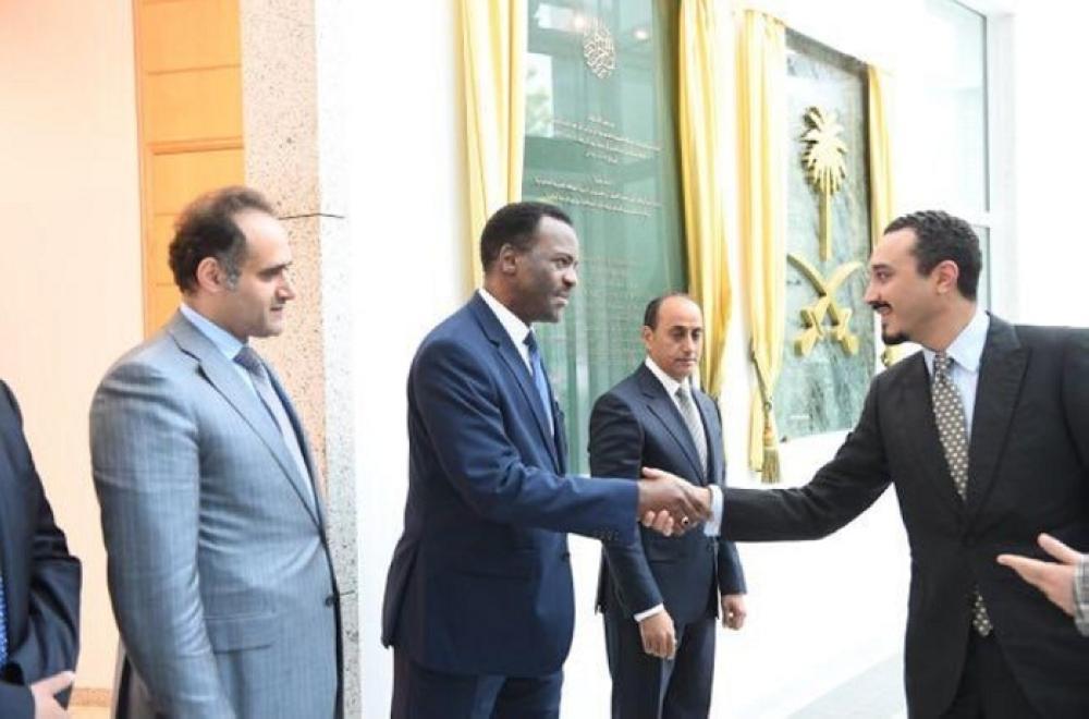 الأمير خالد بن بندر يباشر مهمات عمله سفيراً للمملكة في ألمانيا