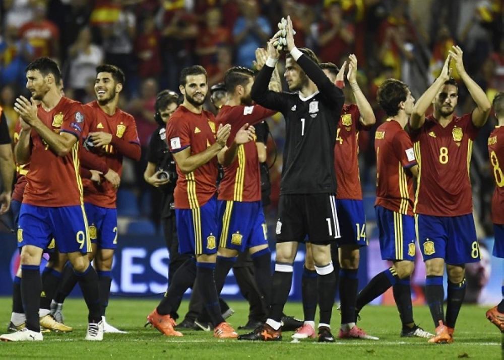 فرحة إسبانية بالتأهل إلى نهائيات كأس العالم 2018 في روسيا