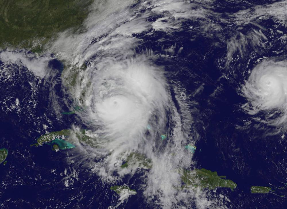 3 ولايات أمريكية تستعد لإعصار «نايت»
