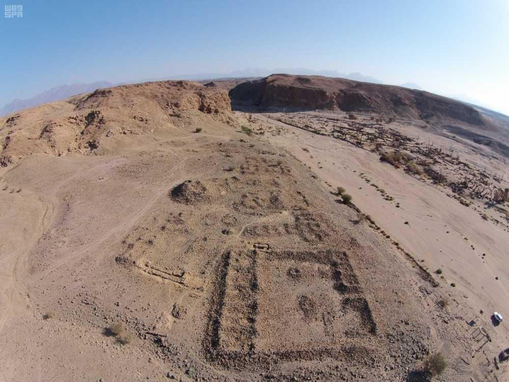 العثور على آثار تعود للعصر الحجري في 3 مواقع بمنطقة تبوك