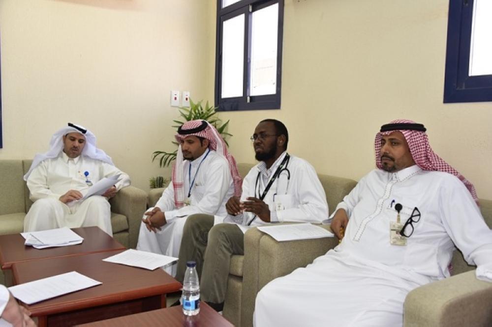 صحي هديب يزور المدارس لتطبيق عمل الصحة المدرسية