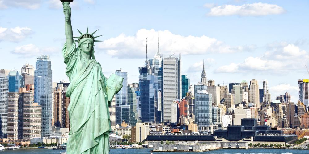 إنفاق الزائرين يضر بالسياحة الأمريكية.