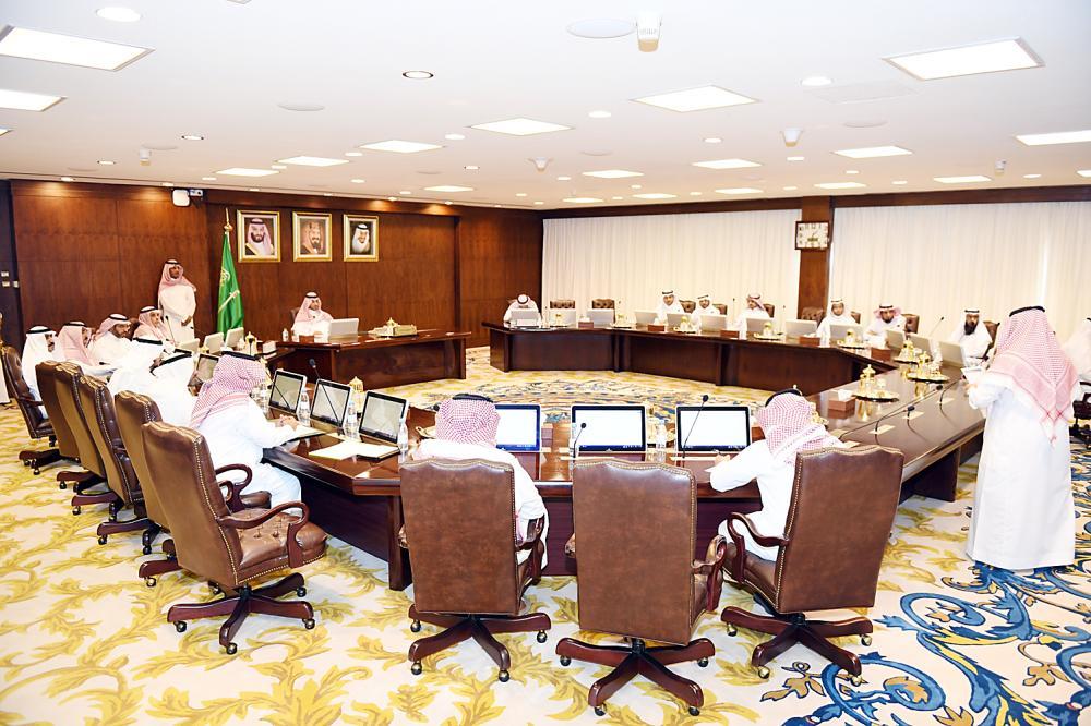 اجتماع تنسيقي عسير برئاسة نائب أمير المنطقة