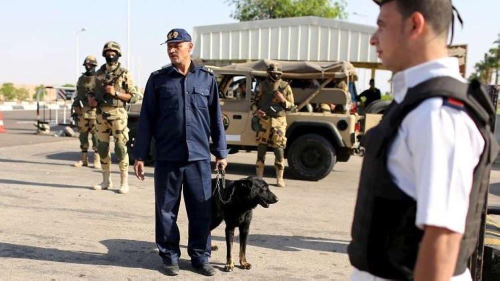 مصر.. مقتل 16 شرطياً وتصفية 15 إرهابياً في عملية الواحات