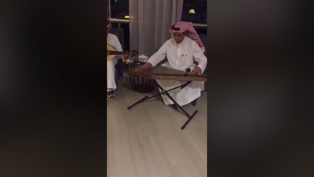 المملكة تستقبل ضيوف منتدى «الاستثمار» في المطارات بـ«الموسيقى»
