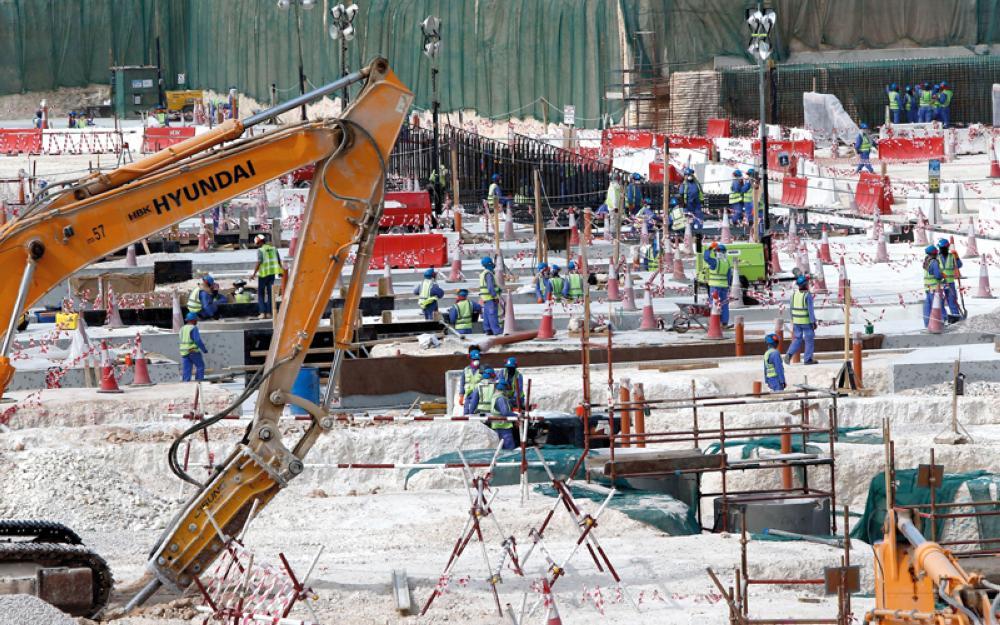 منظمات حقوقية تدين «استغلال الدوحة البشع» للعمالة.. وتدعم العقوبات الدولية بحقها