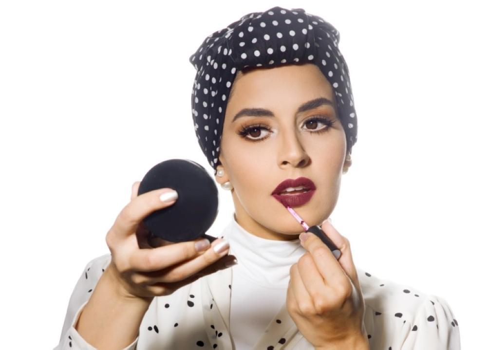 نقص الجهات التعليمية.. أبرز التحديات أمام «خبيرات التجميل»
