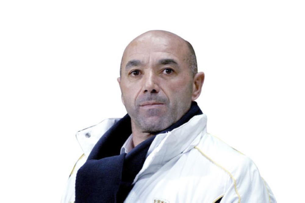 آل الشيخ ينقذ الشباب من الهبوط
