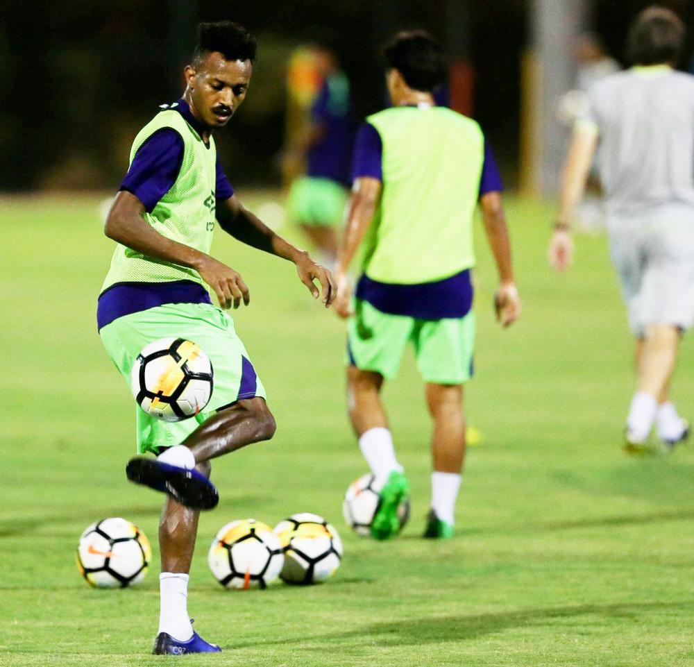 لاعب الأهلي عواجي في تدريب امس.